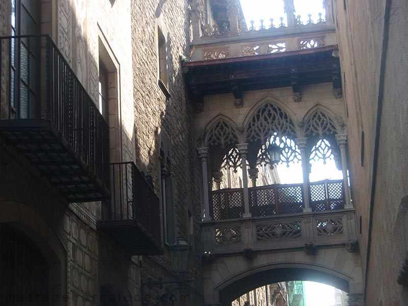 barcelona gothic district tour