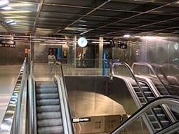 barcelona metro hours monday to thursday